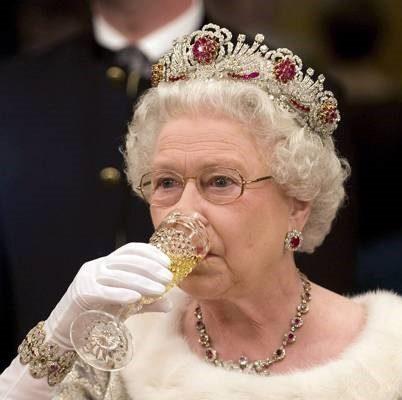 Queen To Get Completely Wankered Tonight